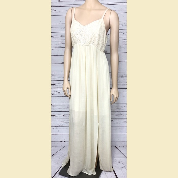 fc8a557cda9 Maurices Boho Ivory Dress New With Flaws Large